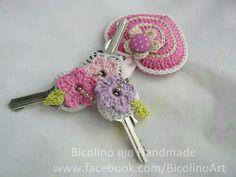 Crochet flower key cover