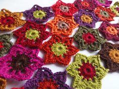 Caída del otoño de la bufanda de las flores de ganchillo flor por Yarnhappiness en Etsy