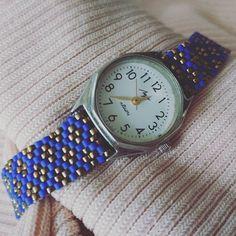 Nareszcie z zapięciem :) Więcej: fb.com/crochetjustyna  #rekodzielo #handmade #bead #beading #toho #navyblue #gold #watch #watchbelt #passion #pasja #jewellry #time