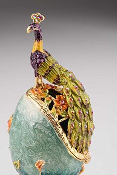 This hand made peacock Faberge Egg jewelry chest / box with Swaroski crystals - - is both an adorable and exquisite gift. Faberge Eier, Aesthetic Objects, Faberge Jewelry, Handmade Jewelry Box, Art Nouveau, Japanese Dragon Tattoos, Jewelry Chest, Egg Art, Enamel Paint