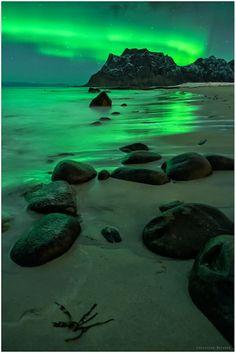 Northern Lights On The Beach | Uttakleiv | Norway