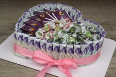 Chocolate Bouquet, Funny Gifts, Diy And Crafts, Wraps, Gift Wrapping, Cake, Creative, Desserts, Food