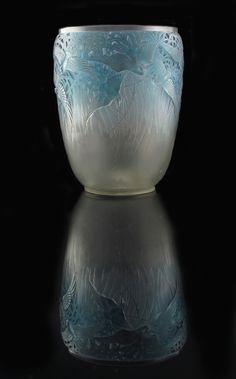 ❤ - Rene Lalique Aigrettes Vase. Art Nouveau, Art Deco, Art Of Glass, Cut Glass, Lalique Perfume Bottle, Perfume Bottles, Alphonse Mucha, Lalique Jewelry, Jewellery