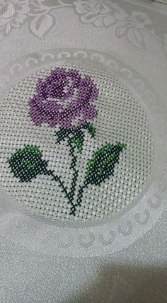 This Pin was discovered by Gül Cross Stitching, Cross Stitch Embroidery, Hand Embroidery, Embroidery Designs, Simple Cross Stitch, Cross Stitch Flowers, Cross Stitch Designs, Cross Stitch Patterns, Diy Recycling