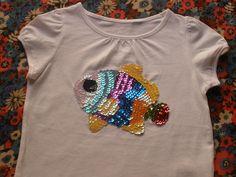 Camiseta con aplicaciones pez