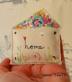 hens teeth : house brooch / pin