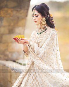 Asian Wedding Dress Pakistani, Pakistani Dresses Casual, Pakistani Dress Design, Bride Dress Up, Nikkah Dress, Party Wear Indian Dresses, Wedding Dresses For Girls, Bridal Dress Design, Royal Dresses