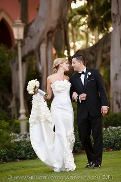 In love with her dress! boca by Design. Munoz Photography.