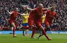 Liverpool-Arsenal 2-2: Skrtel al 97' pareggia i conti. Immenso cuore Reds - http://www.maidirecalcio.com/2014/12/21/liverpool-arsenal-2-2-skrtel-al-97-pareggia-conti-immenso-cuore-reds.html