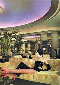 BIBA - Twiggy in the Biba Rainbow Room - what year was this? I remember it before that as Derry and Toms roof garden