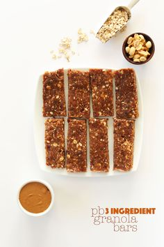 AMAZING 3-ingredient Peanut Butter Granola Bars that taste JUST like PB COOKIE DOUGH! #vegan #glutenfree #peanutbutter