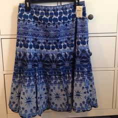 NWT Coldwater Creek Blue Flared Skirt Brand new Coldwater Creek skirt with beautiful blue pattern, featuring colours from navy blue to a light sky blue. Skirt has side zipper and a silky inner layer. In perfect condition!! NO Trades NO PayPal Coldwater Creek Skirts A-Line or Full