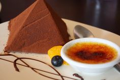 JJ Bistro & French Pastry Pyramid Cake