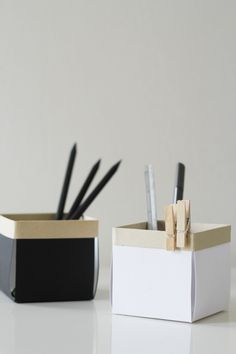DIY: little paper desk boxes (Tutorial: http://fellowfellow.com/diy-berry-boxes/)