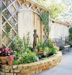 Patio Tour: Classic courtyard with pond and fountain | Interior ...