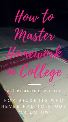Being Highschool Smart isn't the same as College Ready. Read my tips on how to stay on top of homework in college: time management, and organization advice. Back To School Organization Highschool, Life Hacks For School, Homework Organization, Do Homework, College Schedule, College Hacks, Good Notes, Time Management, College Ready