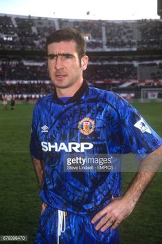 Eric Cantona ahead of making his debut for Manchester United. (Photo by Steve Lindsell - PA Images via Getty Images) Soccer Practice, Soccer Skills, Soccer Tips, Man Utd Tattoo, Eric Cantoná, Roy Keane, Premier League Champions, Retro Football, Manchester United Football