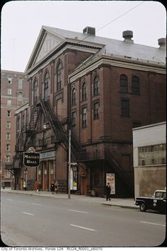 Chances are you've seen an Ellis Wiley photograph before. In numerous historical posts about Toronto in the second half of the century on this. Toronto Ontario Canada, Toronto City, Downtown Toronto, Golden Horseshoe, Physical Geography, Canadian History, Time Photo, Rare Photos, Theatres