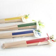 Abanicos de varilla de madera .  Ideal, para colocarlos en los livings.