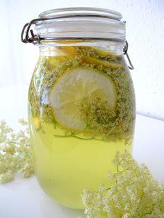 Elderflower cordial recipe –it looks so gorgeous in a jar like this!