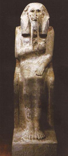 Estatua de Zoser.  Caliza pintada.  Imperio Antiguo. III Dinastía. Museo Egipcio de El Cairo