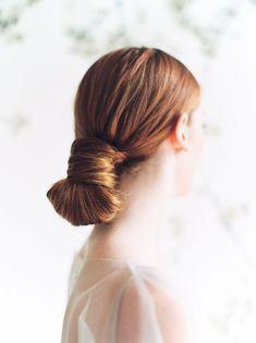 Neutral and warm tone wedding inspiration with Auburn bridal hair Hair art – Hair Models-Hair Styles Natural Bridal Hair, Bridal Hair And Makeup, Bridal Beauty, Wedding Beauty, Elegant Wedding Hair, Wedding Hair Down, Bride Hairstyles, Down Hairstyles, Easy Hairstyles