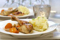 Langstekt kylling med hvitløk og rotgrønnsaker Mashed Potatoes, Turkey, Yummy Food, Meat, Chicken, Ethnic Recipes, Whipped Potatoes, Turkey Country, Delicious Food