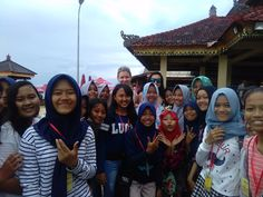 Those lovely children informed us that in Pandawa beach you say Hi and take pictures with strangers :)