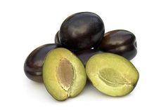 Proprietà e benefici delle prugne fresche (susine) e di quelle secche; l'alimento di origine vegetale con la maggior quantità di sostanze antiossidanti.