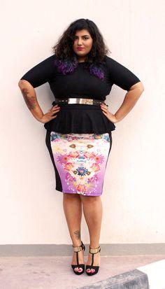 Stunning pencil skirt. Plus size fashion for women.