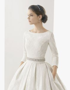 wedding dress with sleeve in blue or soft pink for a ball