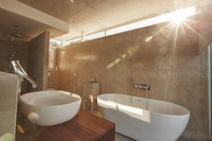 Begur. Modern bath with microcement