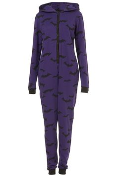 Adult onesie, onesie Pajamas & Footed Pajamas for Adults Grunge Style, Dark Fashion, Gothic Fashion, Onesie Pajamas, Pjs, Adult Pajamas, Pyjamas, Look Cool, What To Wear