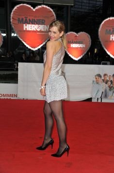 Nylons, Pantyhose Outfits, Pantyhose Legs, Great Legs, Nice Legs, Celebs, Celebrities, Sexy Legs, Tights
