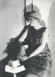 Man Ray, American Vogue, May 15 1925 (Chéruit)