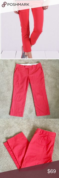 ❗️Banana Republic Coral Crop Pants MSRP $118 ❗️Banana Republic Coral Cropped Chino Pants. Size 12, great condition! Retails $118. Make an offer! I consider all reasonable offers on individual items & give great bundle deals. New Year cleanout sale ;-) Banana Republic Pants Ankle & Cropped