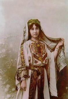 Ramallah-رام الله: Ramallah young woman in traditional dress- THOBE