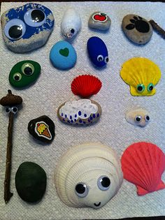Play Create Explore: Finders Keepers Treasures= how fun. A must do to leave these all around this summer.