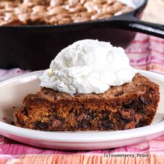 Gooseberry Patch Recipes: Giant Chocolate Chip Cookie from 150 Best-Ever Cast-Iron Skillet Recipes Cookbook