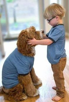 You don't want your children behaving inappropriately with other children, so make sure they know how to interact safely with dogs too. Dogs And Kids, Animals For Kids, I Love Dogs, Animals And Pets, Puppy Love, Baby Animals, Cute Animals, Tier Fotos, Cute Kids