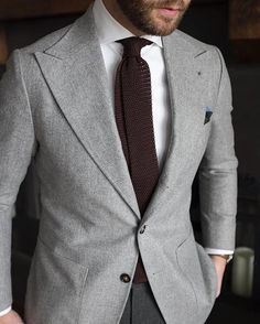 STYLE ESSENTIALS — Love the cleanness and the wide lapels. Style by...