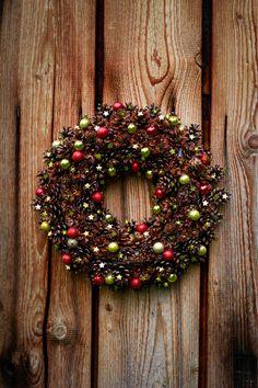 Vianočný veniec U Danky Christmas Wreaths, Holiday Decor, Home Decor, Decoration Home, Room Decor, Home Interior Design, Home Decoration, Interior Design