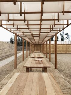 Studio Tom Emerson – Pachacámac: A Room for Archaeologists and Kids Corner Pergola, Small Pergola, Small Patio, Timber Structure, Shade Structure, Rustic Pergola, Wooden Pergola, Timber Architecture, Architecture Details
