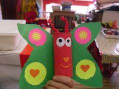 farfalla realizzata con rotoli carta igenica