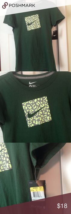 Woman's Nike T shirt New Green Nike T shirt , LOVE The Pop Of Color , Bought Without Trying On , Need A Med. These T shirts Are The Only Ones I Wear , You Don't Feel Like Your Wearing A Bag !!! Nike Tops Tees - Short Sleeve