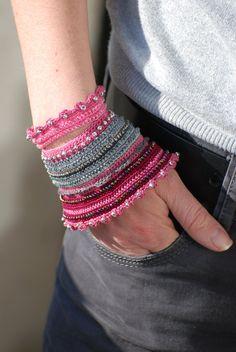 Grau rosa häkeln Armband. Grau rosa Rollrand.