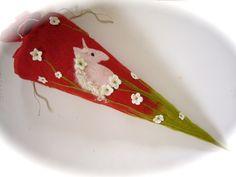 Schultüten - Schultüte Zuckertüte gefilzt. - ein Designerstück von Filz-Art bei DaWanda
