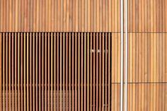 Magnolia Residence / Heliotrope Architects. Love wooden slats!