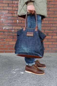 Denim Tote Bags, Diy Tote Bag, Jeans Recycling, Leather Bag Tutorial, Leather Bags Handmade, Big Bags, Womens Tote Bags, Fashion Handbags, Bag Accessories