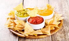 Easy und lecker: Nachos selber machen - Famous Last Words Yummy Snacks, Healthy Snacks, Veggie Muffins, Mexican Food Recipes, Ethnic Recipes, Vegetable Drinks, Healthy Eating Tips, Tex Mex, Eat Smarter